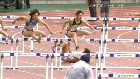 女子陸上選手2030