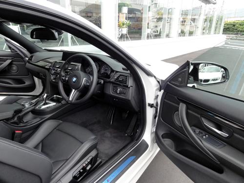 M4-運転席