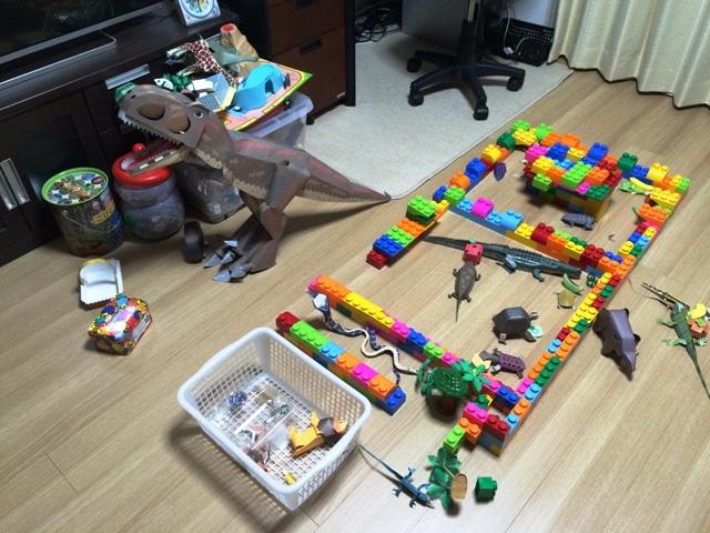 私の陣地を犯す玩具たち