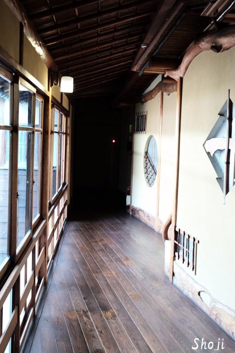 伊東温泉の文化財「東海館」の客室