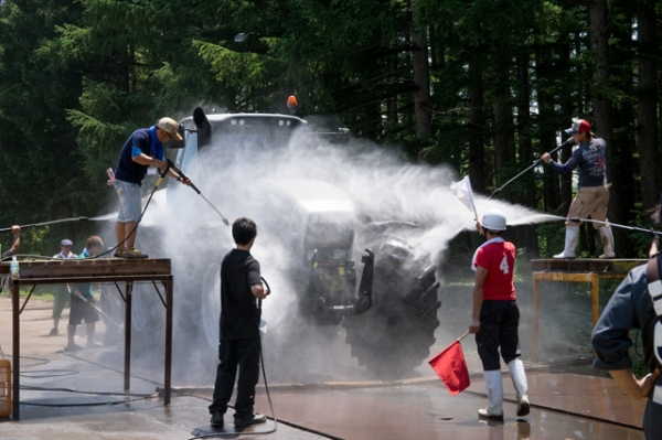 トラクターBANBA洗車2