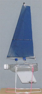 PET bottle model sailboat PO10 with an Una Rig