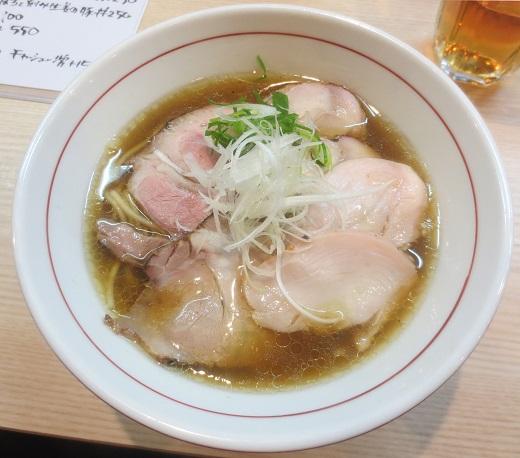 鶏そば(¥750)