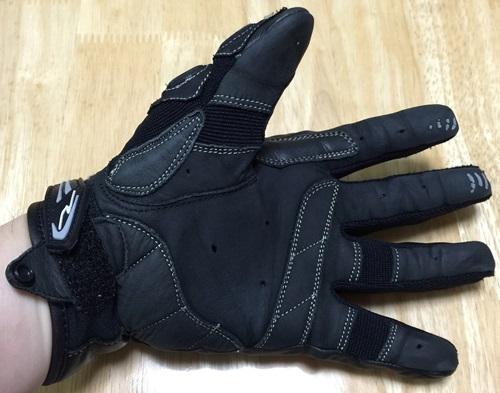 glove05.jpg