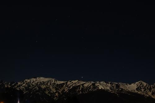 月明かりの下で 白馬連峰