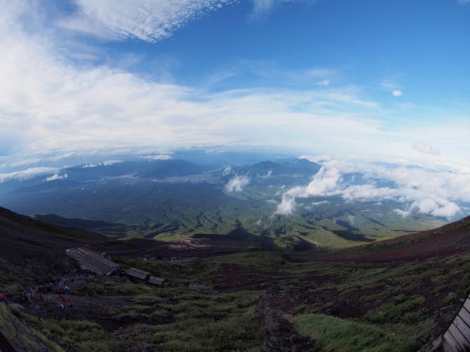 魚眼レンズで富士山麓を一望