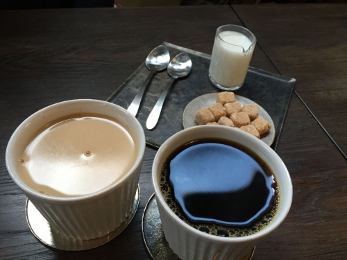 珈琲とミルクティ