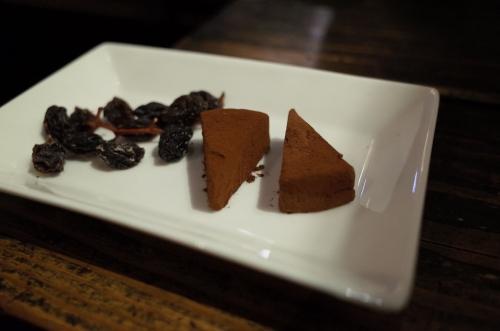 生チョコレートとレーズン