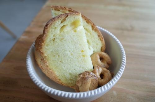 自家製パンとタラッリ