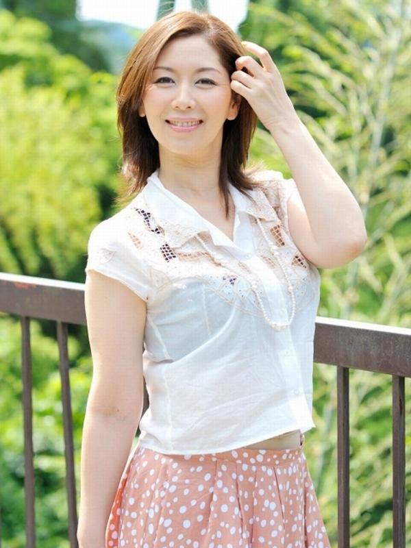 翔田千里 アラフォーの熟女AV女優!セクシー艶々エロ画像90枚