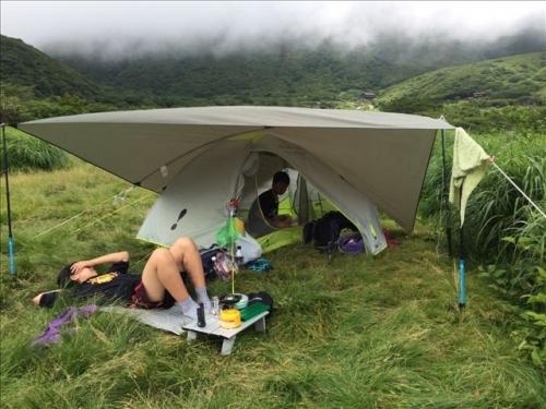 坊がつる テントで1