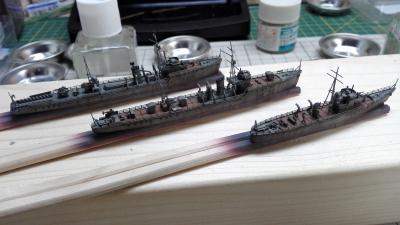 小艦艇』スミ入れ、艦載艇設置 ...