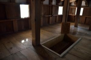 備中松山城の囲炉裏