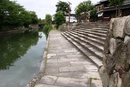 八幡堀の石段_H18.06.17撮影