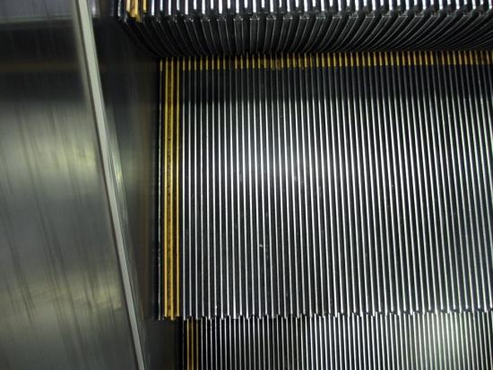 escalator007.jpg