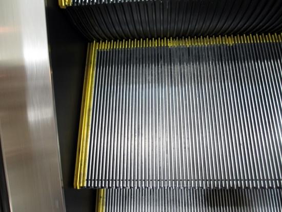escalator008.jpg