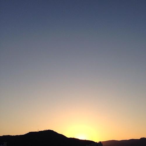 五色台に落ちる夕日