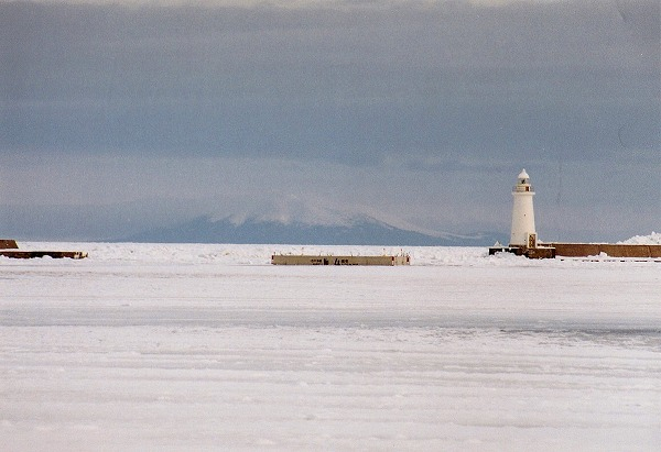 O流氷の根室港