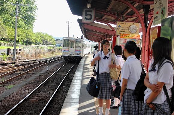 ②人吉温泉駅ホーム