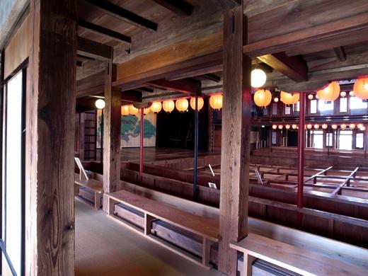 150411_07廊下から客席