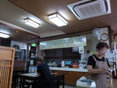 150721_06柳原店内