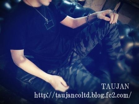 2015 TAUJAN Atar コラボT-シャツ 着用 レンコ