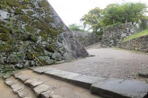彦根城/屈曲する石垣