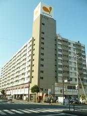 グルメシティ三萩野店