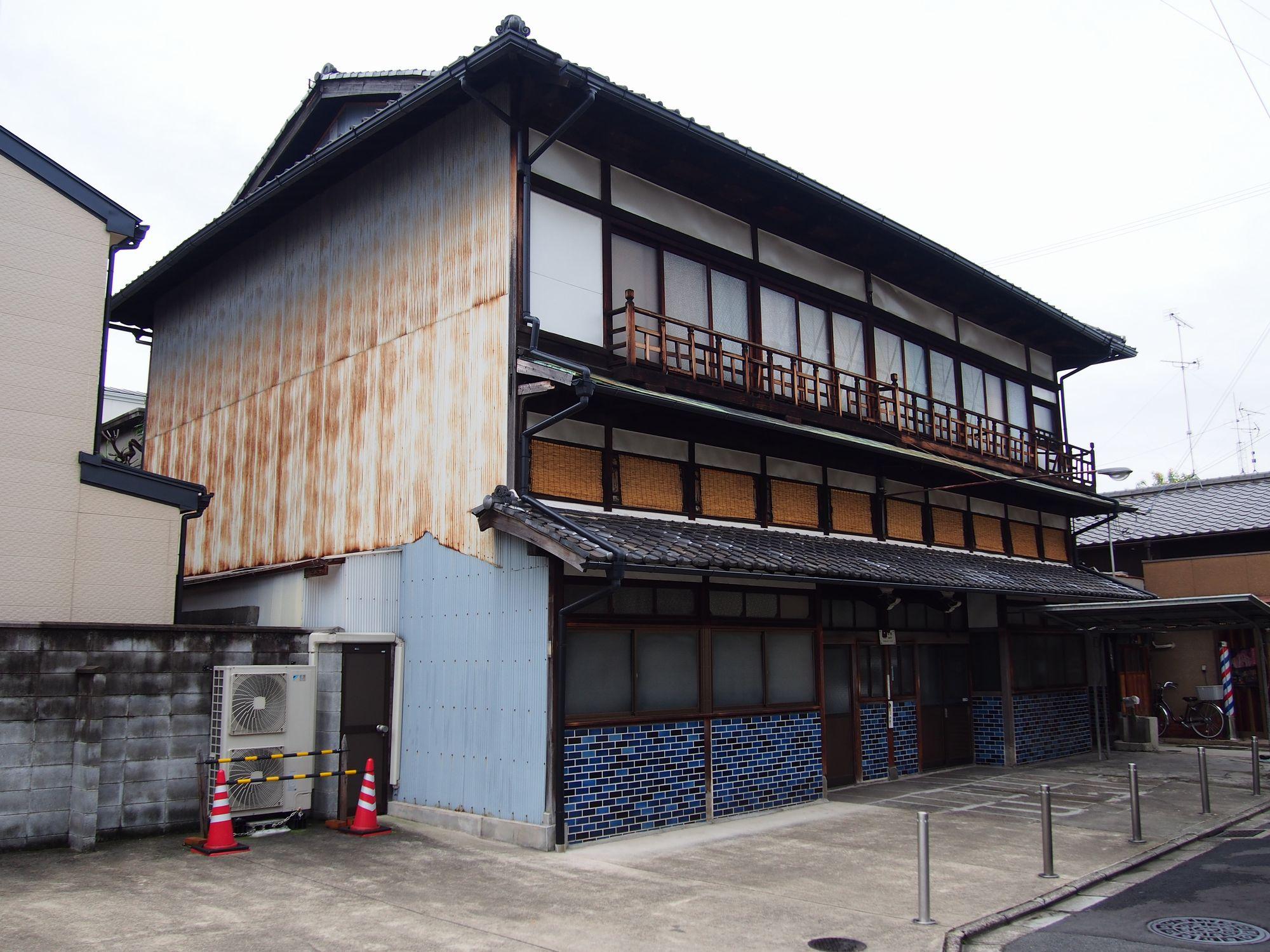 京都市南区 日の出湯 外観(翌朝)