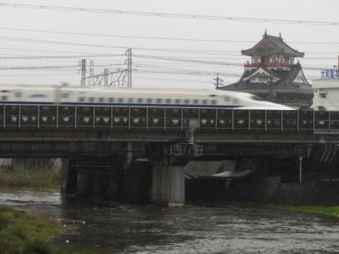 清州城と新幹線