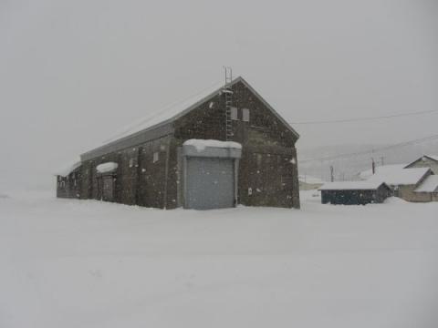 旧上多度志駅前広場と多度志町農業倉庫