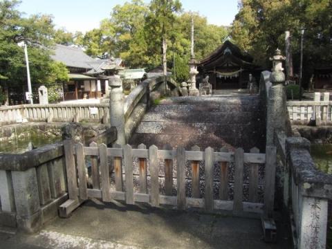 知立神社石橋