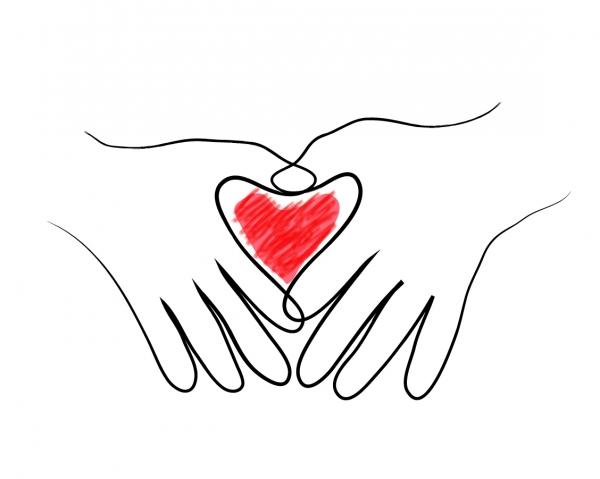 手の平で型どるハート Heart in Two Hands