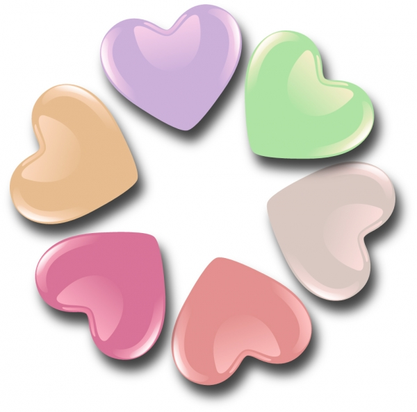 光沢あるハート型のキャンディー Heart-shaped candies