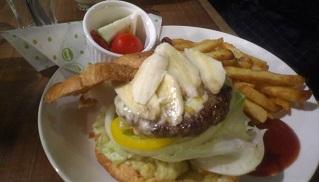 ハンバーガー 泰式綠咖哩香蕉醬漢堡