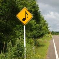メロディーロードの標識