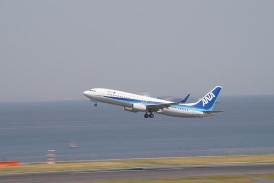 全日空ANA-737離陸