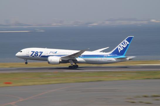 全日空ANA-787離陸