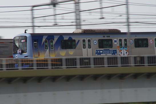 東横線ベイスターズ列車