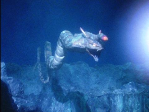 深海竜 ディプラス
