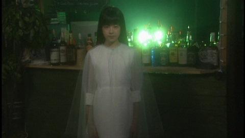 綺亜羅(演:中村有沙)