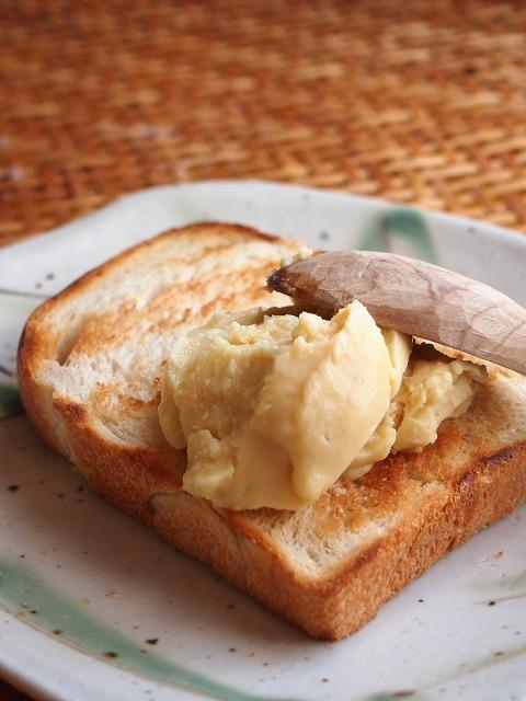 食パンとバニラクリーム4