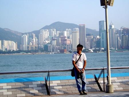 香港2 036