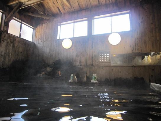 これ、実は湯船の中から撮っています