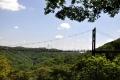 ⑥谷間からの吊橋