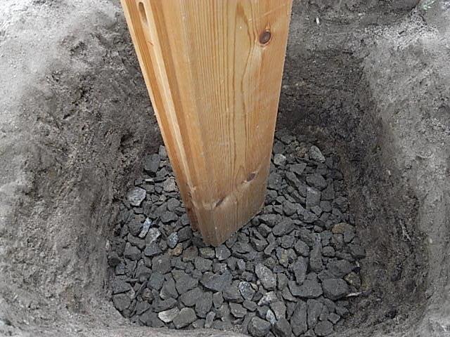 小屋基礎床穴2