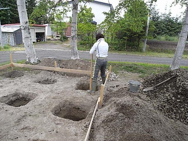 小屋基礎床穴4