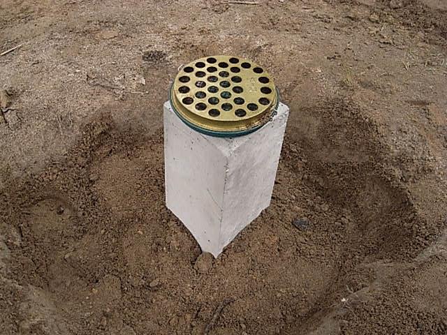 小屋沓石設置4