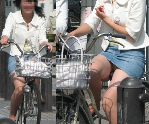 自転車パンチラ画像 34