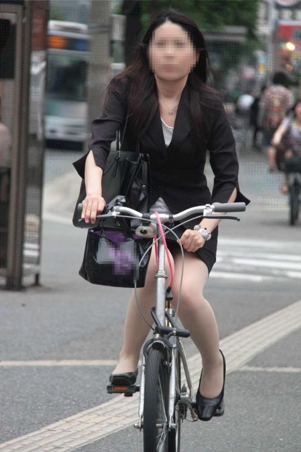 自転車パンチラ画像 41